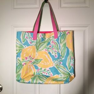 Lilly Pulitzer TOTE  good cond. .